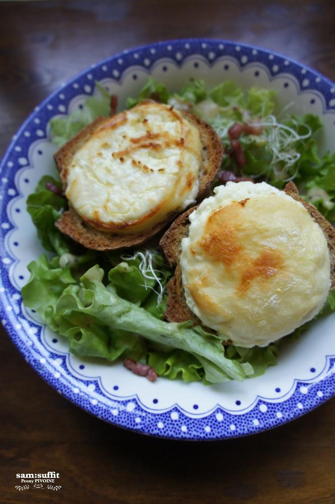 温かい山羊チーズのサラダ